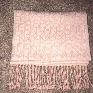 🌟BRAND NEW🌟 Calvin Klein scarf